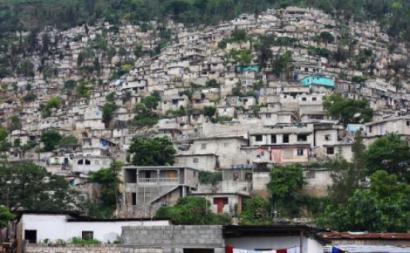 O Haiti é o país mais pobre do hemisfério ocidental e um dos mais pobres do mundo. Em fevereiro de 2019, rebentaram grandes manifestações de protesto no país - Porto Príncipe, Haiti – foto de Samuel Rodríguez/El Salto