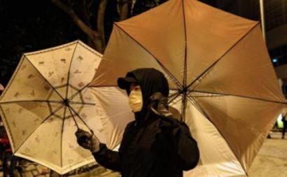 Manifestante em Hong Kong.