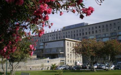 Edifício principal do Hospital Universitário de Santa Maria – Foto de Ivendrell/wikimedia