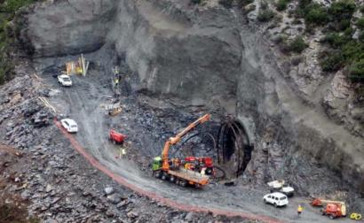 """Construção do túnel """"O corno"""" para o AVE. Foto CIG."""