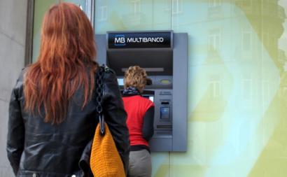 Comissões de bancos arrecadam 8,8 milhões de euros por dia