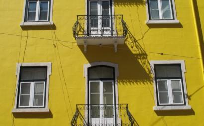 No Alentejo e Algarve, o preço médio das casas aumentou mais de 9% e 10% respetivamente. Foto esquerda.net.