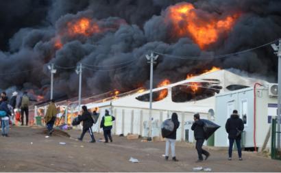 Incêndio no campo de refugiados de LIPA, na Bósnia, foto e vídeo de OIM/Ervin Causevic