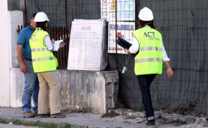 ACT numa ação de fiscalização. Foto de Paulo Novais/Lusa.