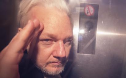 Assange pode morrer na prisão, alertam 60 médicos