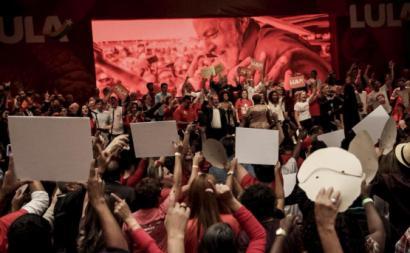 Brasil: preso há dois meses, Lula continua imbatível nas sondagens