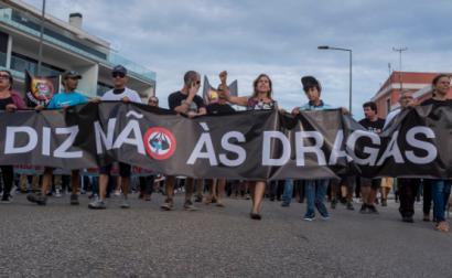 """""""Diz Não às Dragagens"""" faixa da manifestação realizada em Setúbal a 13 de outubro de 2018 - Foto de Fernando Pinho"""