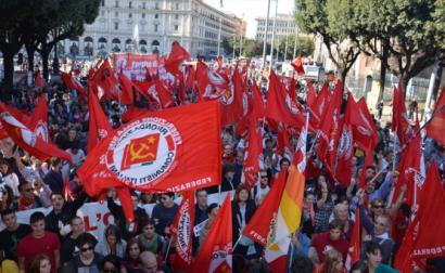 Manifestação do Partido da Refundação Comunista em 2011. Foto do PRC.