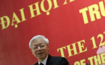 No Vietname, desde meados dos anos 80, o partido comunista seguiu, no essencial, o modelo chinês: transição para o capitalismo, mas manutenção do regime de partido único. Atualmente, este é liderado por Nguyen Phú Trong