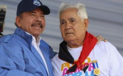 Em abril de 2018, perante grandes protestos civis contra o governo, Pastora ofereceu-se ao serviço de Daniel Ortega. Na foto, Daniel Ortega e Edén Pastora