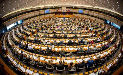 Os resultados das eleições europeias mostram crescente descontentamento do eleitorado destes países, traduzido nas quebras muito significativas dos dois principais grupos políticos: o PPE e os S&D