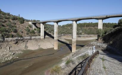 ponte sobre rio Ponsul