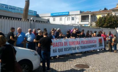 """Arménio Carlos anunciou que a CGTP vai apresentar ao Ministério Público (MP) queixa de """"tortura psicológica"""", por parte da empresa sobre a operária - foto esquerda.net"""