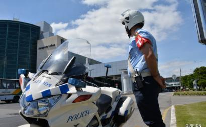Revista discriminatória da polícia a mulheres motiva queixa