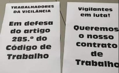 Cartaz dos vigilantes da Comansegur que defendiam a manutenção do seu posto de trabalho. Foto do grupo Vigilantes de Segurança Privada/Facebook.