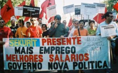 Trabalhadores da Saint-Gobain de Santa Iria de Azoia numa ação sindical. Foto CGTP.