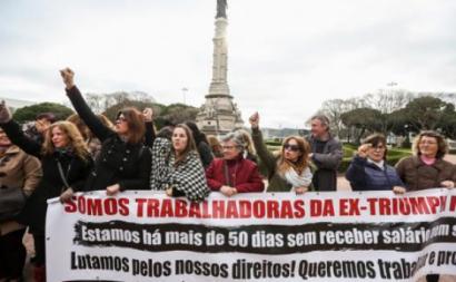 Trabalhadoras da Triumph foram a Belém mas não viram Marcelo – Foto de Nuno Fox/Lusa
