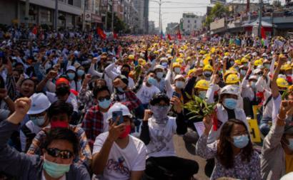 Manifestação em Myanmar. Foto do Observatório Internacional do Instituto Lauro Campos/Marielle Franco.