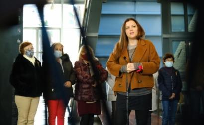 Marisa Matias em encontro com trabalhadoras da Triumph.