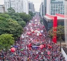 A multidão tomou a avenida Paulista, centro financeiro do país. Foto de Ricardo Stuckert
