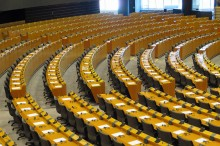 Cadeiras do plenário do parlamento europeu.