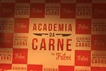 """JBS e BRF entraram na lista dos 30 maiores anunciantes do Brasil, entre os investimentos em publicidade está a campanha """"Academia da Carne por Friboi"""""""