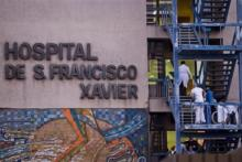 O surto de legionella no Hospital de São Francisco Xavier já provocou cinco mortes