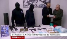 O vídeo com a primeira entrega de armas, em 2014, foi difundido pela BBC