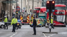 """Polícia junto ao Parlamento, na sequência do """"incidente terrorista"""" - Foto de Will Oliver/Epa/Lusa"""