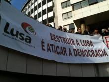 """Manifestação de 2012 contra os """"cortes cegos"""" na agência. Foto de Pedro Khron."""