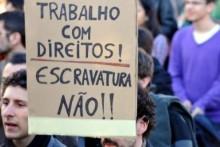 Um dos aspetos mais importantes da nova lei é a introdução de um mecanismo para proteger os trabalhadores de um possível despedimento, durante o processo de regularização. Foto de Paulete Matos.