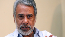 Xanana Gusmão demite-se do CNRT.