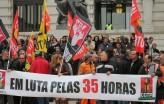 """Foto de faixa """"Em luta pelas 35 horas"""" do STAL-Porto"""