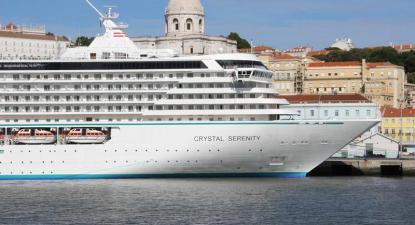 Navio de cruzeiro em Lisboa