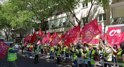 Trabalhadoras da limpeza dos hospitais em manifestação. Maio de 2021. Foto do facebook de Isabel Pires.