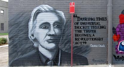 Mural a Julian Assange em Stanmore, Londres, Janeiro de 2011. Foto de Newtown grafitti/Flickr.jpg