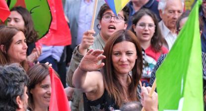 Marisa Matias na arruada no Porto.
