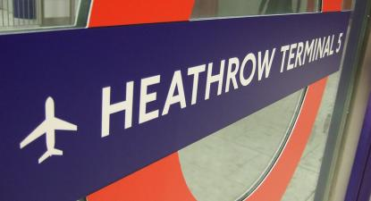 Sinalética no aeroporto de Heathrow. Londres, março de 2008.