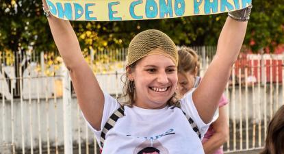 Cartaz em manifestação pela humanização do parto em Fortaleza, Brasil.