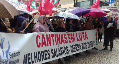 Trabalhadores de cantinas do Norte em greve por salários dignos