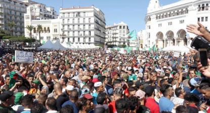 A mobilização popular revigorou-se com o final do Verão. Foto de Souhil B, El Watan