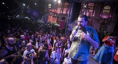 Guilherme Boulos num comício de campanha. Foto Mídia Ninja