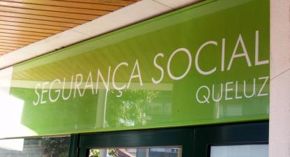 Edifício da Segurança Social em Queluz.