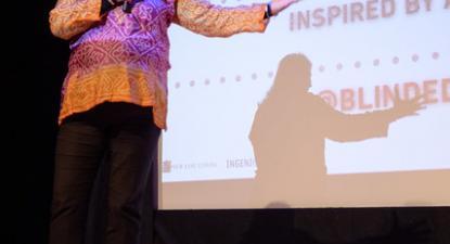 Gurinder Chadha, realizadora de Blinded by the Light, apresenta o seu filme em Montclair.