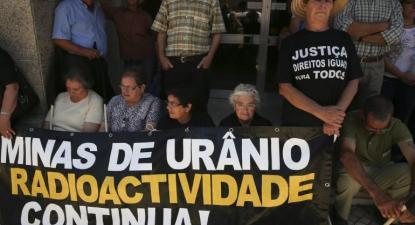 Manifestação contra os efeitos da radioatividade das minas.