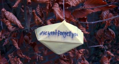 """""""Não vos esqueceremos"""". Foto de txmx 2/Flickr."""