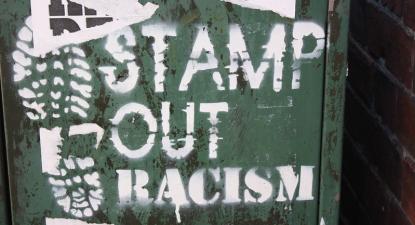 Pintura anti-racista em Belfast. Agosto de 2010.