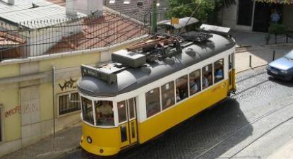 Impõe-se que o processo de privatização dos transportes em Lisboa e no Porto seja imediatamente suspenso e que o Governo negoceie a transferência da gestão e propriedade. Foto de Michael Day