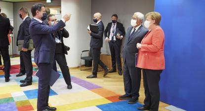 António Costa, Angela Merkel e Giuseppe Conte na reunião do Conselho. Foto: European Council @