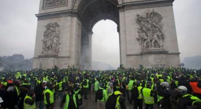 """É possível identificar nos """"coletes amarelos"""" um novo tipo de protesto por justiça social, essencialmente balizado pelas dificuldades enfrentadas pelos trabalhadores precários"""